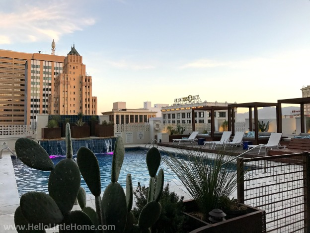 Relaxing at El Paso's Hotel Indigo during an El Paso to Phoenix Road Trip! Travel from Texas to Arizona with lots of fun stops along the way, including White Sands National Monument and MLB spring training! Find out the best things to do in El Paso and Phoenix, from can't miss sights to delicious restaurants! | Hello Little Home