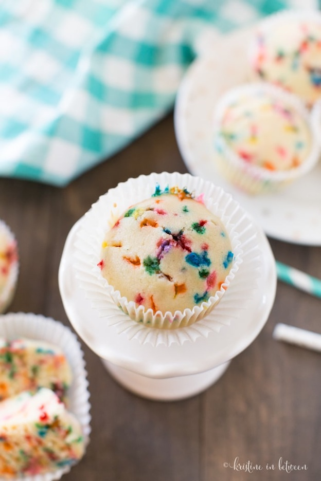 What to have instead of birthday caked? Check out the ultimate Birthday Cake Alternatives roundup ... over 70 delicious recipes perfect for adults and for kids alike, including these Birthday Cake Muffins from Kristine in Between! These fun dessert ideas range from healthy to decadent. Awesome alternatives to birthday cake your whole family will love! | Hello Little Home