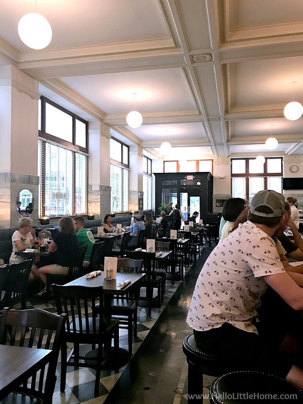 Interior of Brown & Loe restaurant in Kansas City, Missouri