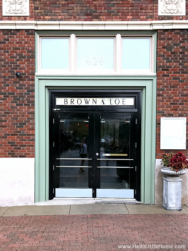 Exterior of Brown & Loe restaurant in Kansas City, Missouri