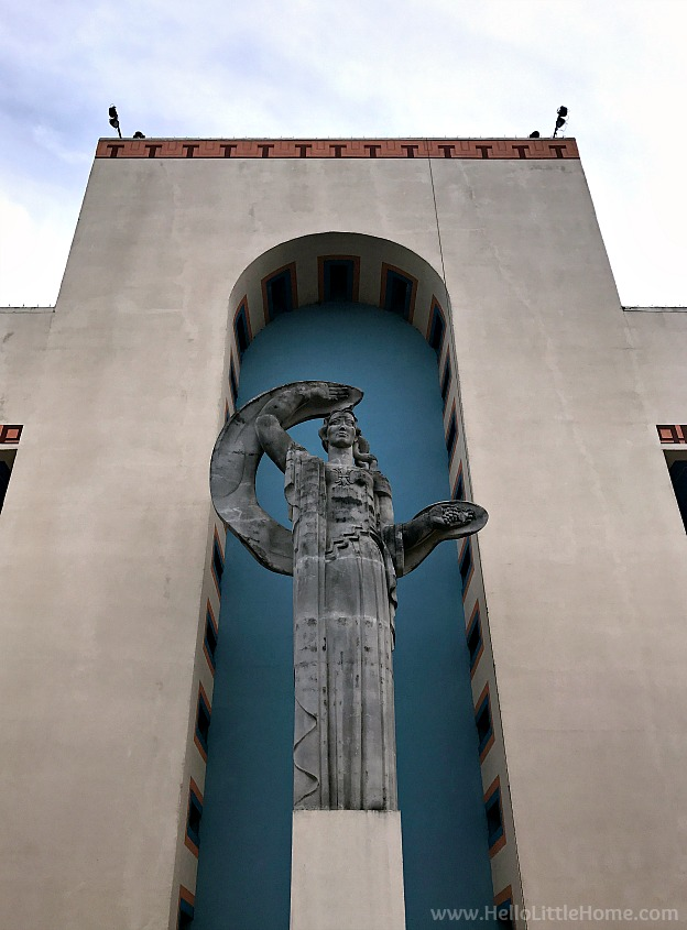 Statue in front of an art decor building at Fair Park | Hello Little Home