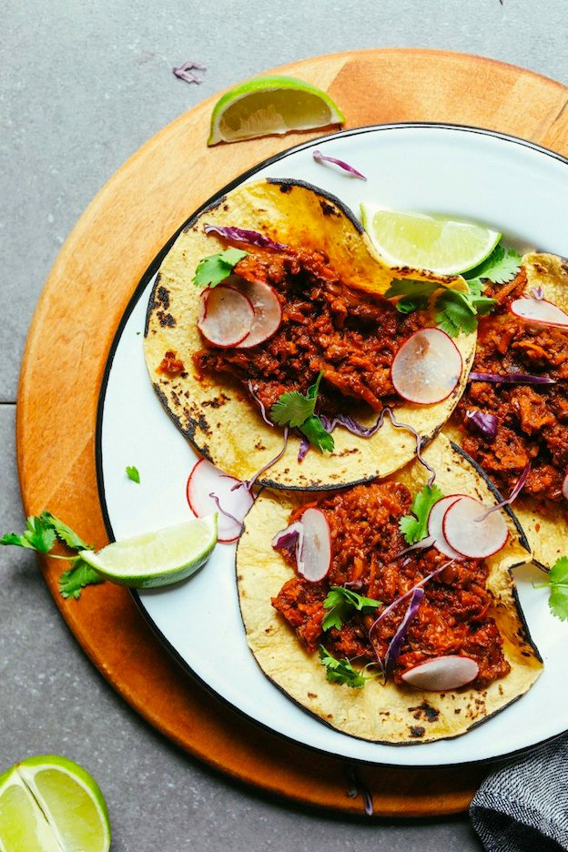 Vegan Barbacoa from Minimalist Baker ... one of 100+ Vegetarian Comfort Food Recipes | Hello Little Home