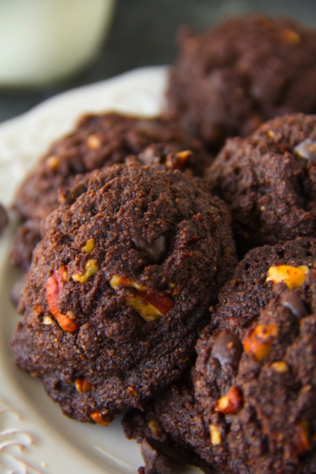 Paleo Brownie Cookies from Say Grace ... one of 100+ Vegetarian Comfort Food Recipes | Hello Little Home