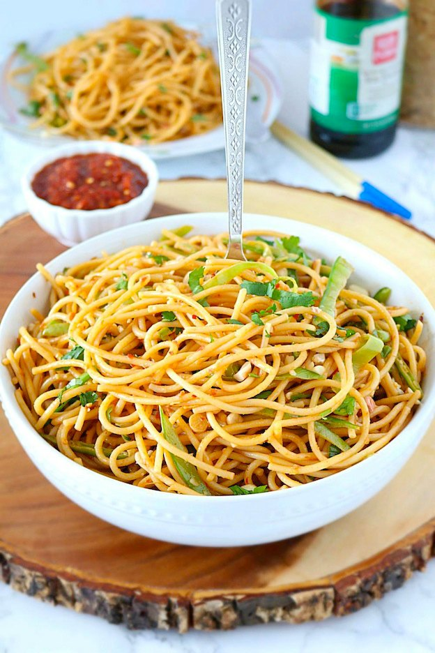 Spicy Peanut Noodles from Ruchi's Kitchen ... one of 100+ Vegetarian Comfort Food Recipes | Hello Little Home