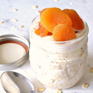 Overnight Oats topped with apricots