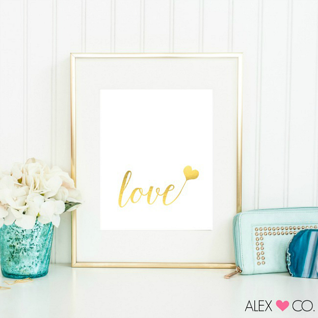 Free Printable Gold Valentine's Day Art, a cute Valentine Decoration.