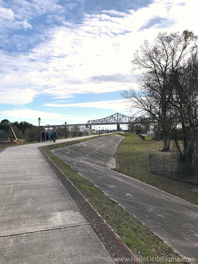 The path along the Algiers Levee, looking toward the Crescent City Connection Bridge.