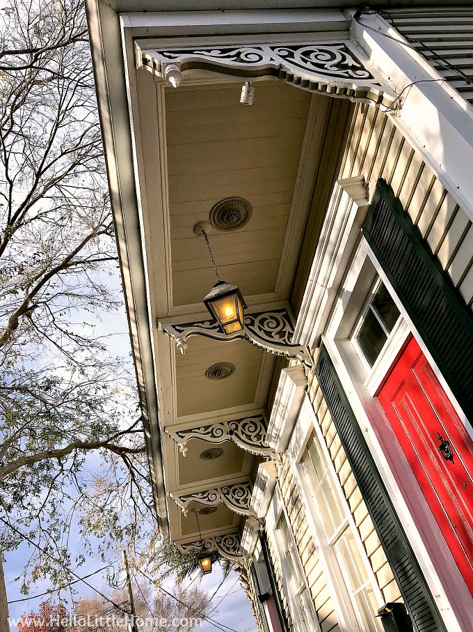 Closeup of trim on a cottage in Algiers, New Orleans.