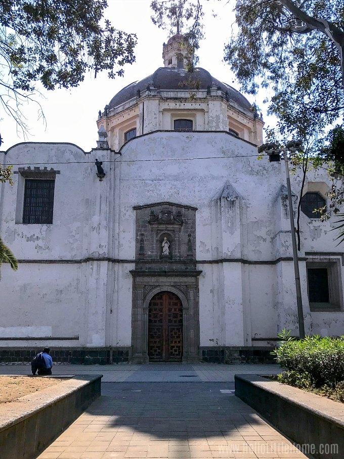 Regina Coeli Church on Calle Regina in Mexico City.
