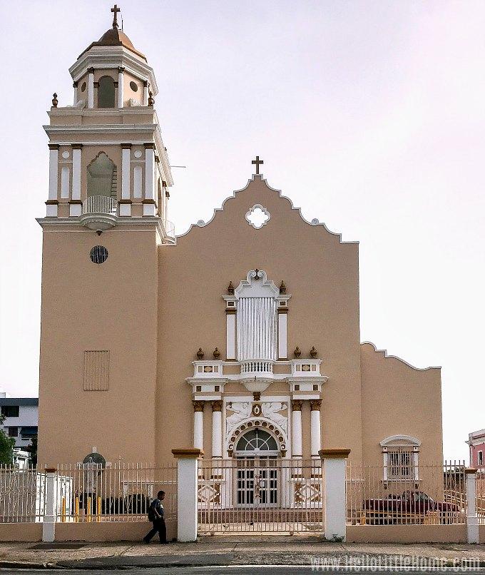 A beautiful church in Santurce, San Juan.