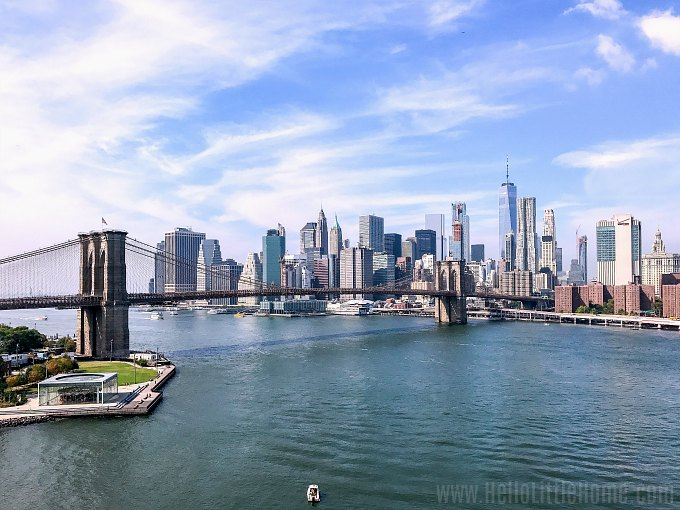 A view of the Manhattan skyline and the Brooklyn Bridge in NYC.