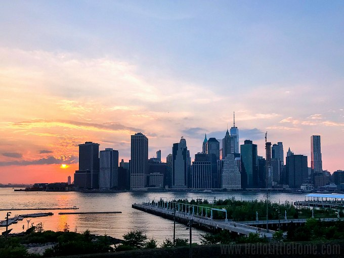 A view of the Manhattan skyline at sunset from the Brooklyn Heights Promenade.