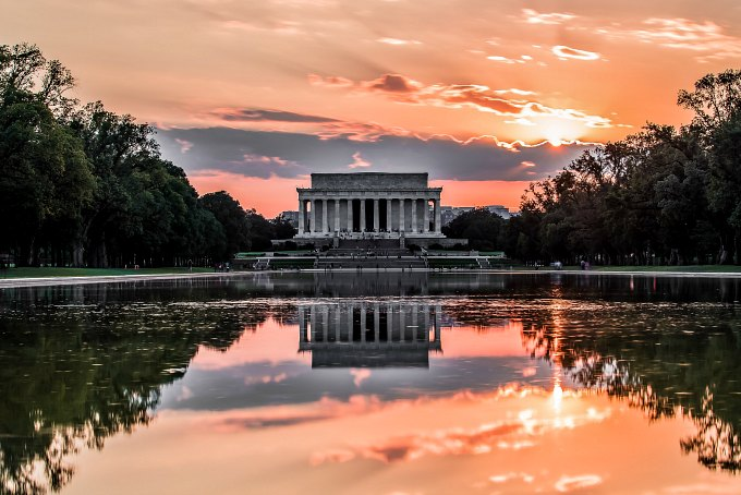 A sunset view of Lincoln Memorial.