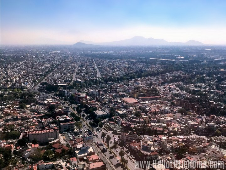 A view of CDMX from an airplane.